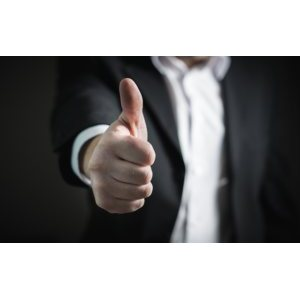thumbs-up-2056022_640